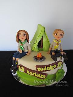 Bolo de aniversário dos escuteiros Bárbara e Rodrigo