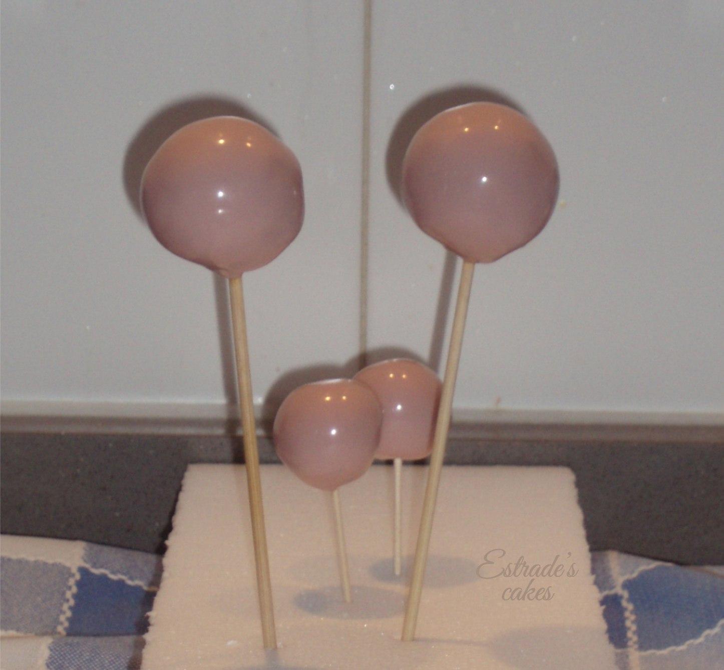 como hacer cake pops - cubriendo 3