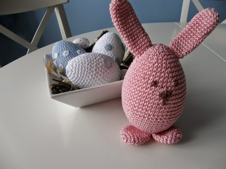 crochet easter eggs and rabbit
