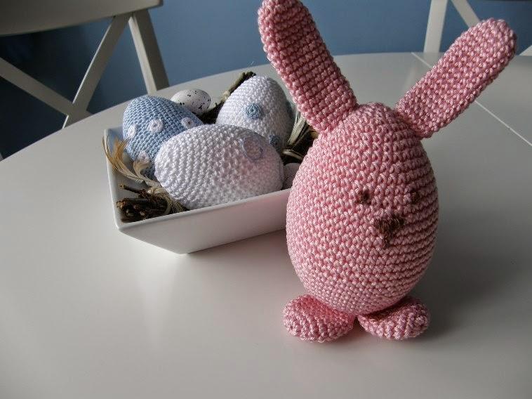 crochet easter eggs and rabbit