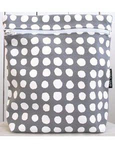 dots toilet bag