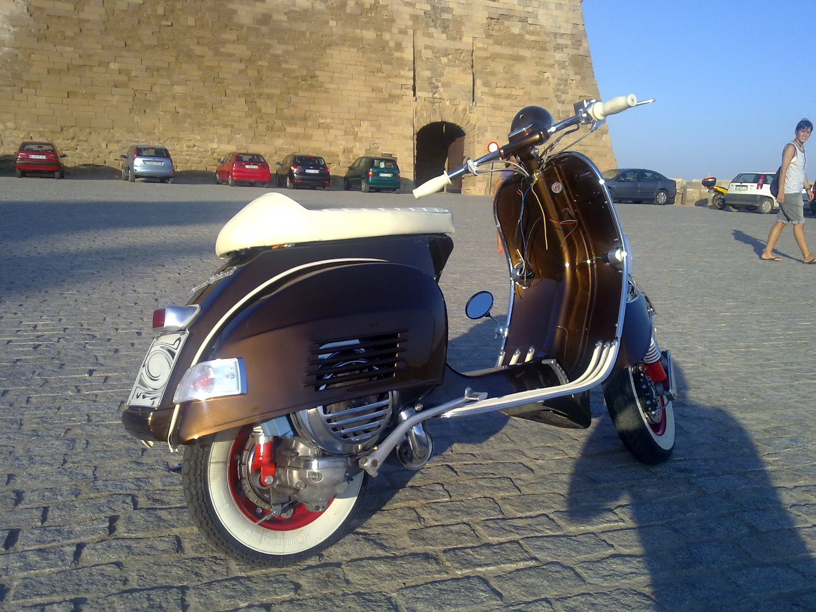 Kustomizando vespitas for Vespa cafe racer
