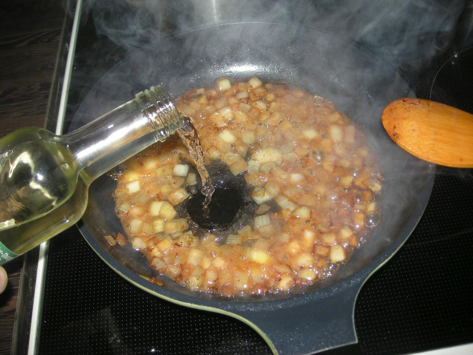 heiner kocht spaghetti mit steinpilz champignon sauce mit steinpilzen aus venedig. Black Bedroom Furniture Sets. Home Design Ideas