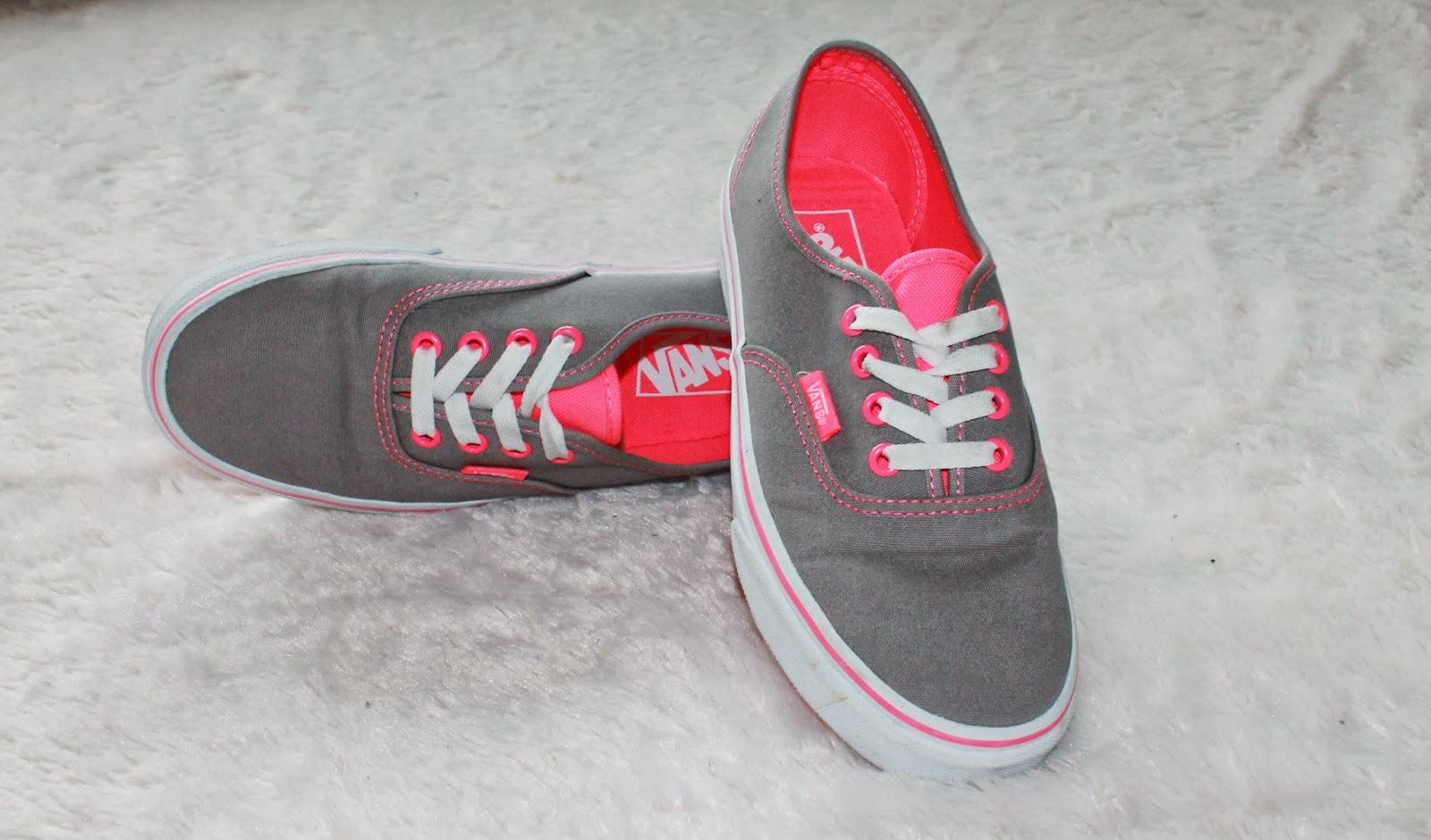vans gris y rosa