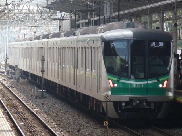 東京メトロ千代田線 綾瀬行き4 16000系
