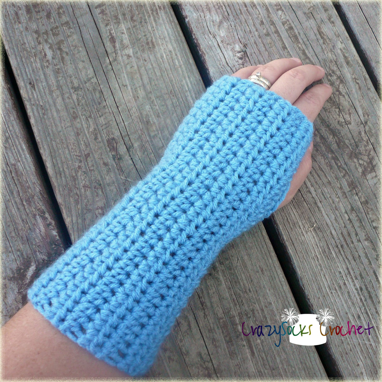 Free Crochet Patterns Hand Warmers : Danyel Pink Designs: CROCHET PATTERN - Wrist Warmers