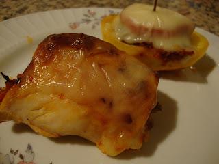 kayık patates, kayıkta köfte, patates yemeği, kolay yemek, et yemekleri, ne pişirsem, yemek tarifi, tavuk sarma, tavuk yemekleri, tavuk but, fırında tavuk