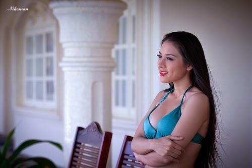 Hoa hậu Thái Nhã Văn Khoe sắc với bikini bên hồ bơi 3