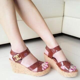 Sepatu Cewek Heel Sepatu Cewek Heel Simple Wedges Brown