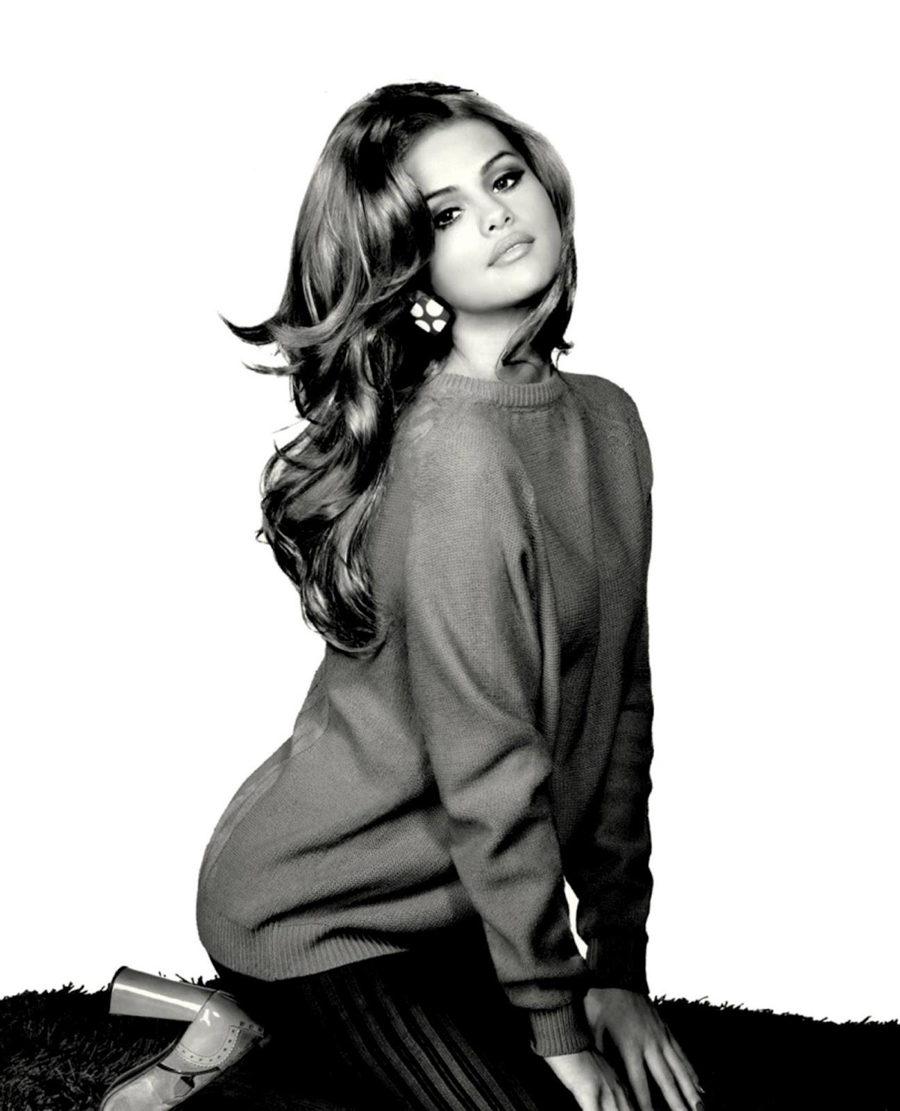 http://1.bp.blogspot.com/-iPhvUJIzkS4/TzJ1MnWZ2fI/AAAAAAAAAfY/qYnEOUXnkLw/s1600/Selena-Gomez-%E2%80%93-%E2%80%9CWhen-The-Sun-Goes-Down%E2%80%9D-Album-Photoshoot-3.jpg