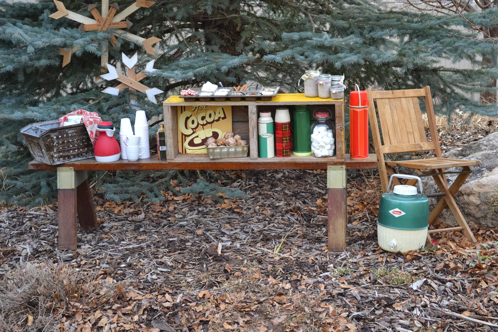 Hollyhocks & Honeybees: A rustic, woodsie hot cocoa bar ...