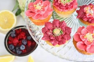 http://lizasmatverden.blogspot.no/2013/03/blomster-cupcakes-til-pasken.html