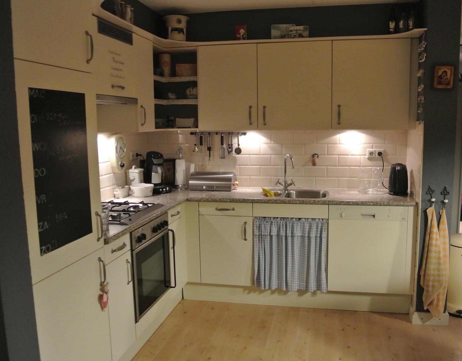 Hoek Keukenkast Boven: Voorzetkast meterkast met verlichting kast ...