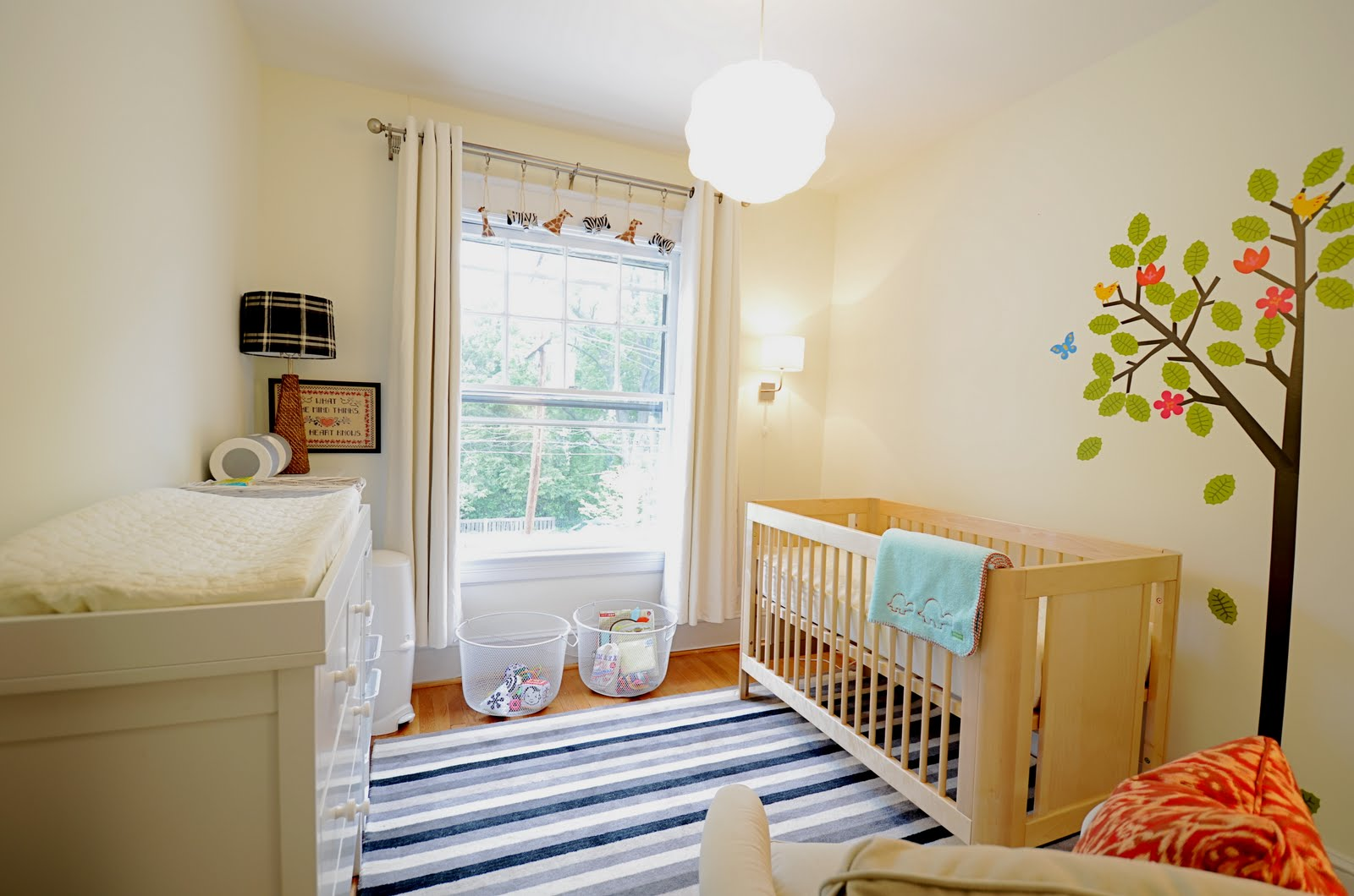 a crisp and comfy nursery nicole lanteri interior decorator