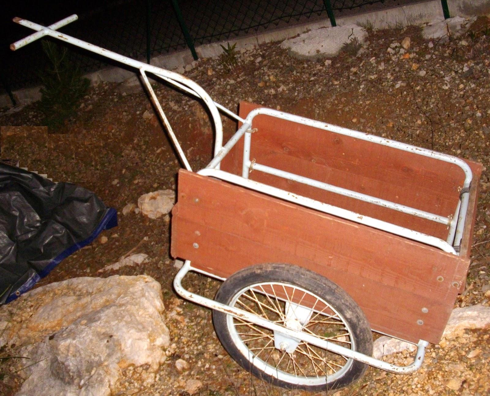 ancienne carriole a v lo remorque cyclo solex charrette fer forg bois jardin art populaire i. Black Bedroom Furniture Sets. Home Design Ideas