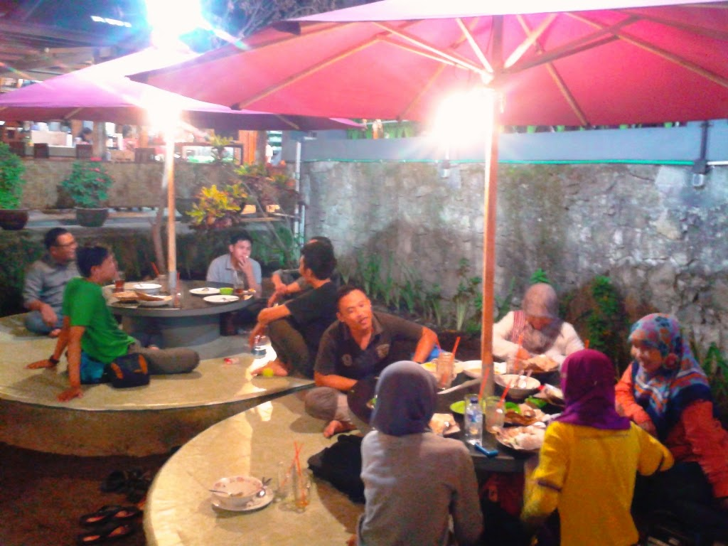 Tempat kita makan di Pondok Makan Kedapi, Bantul