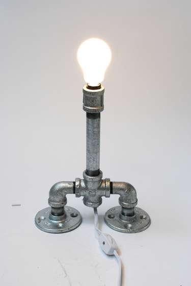 diy un tuyau pour une lampe design initiales gg. Black Bedroom Furniture Sets. Home Design Ideas