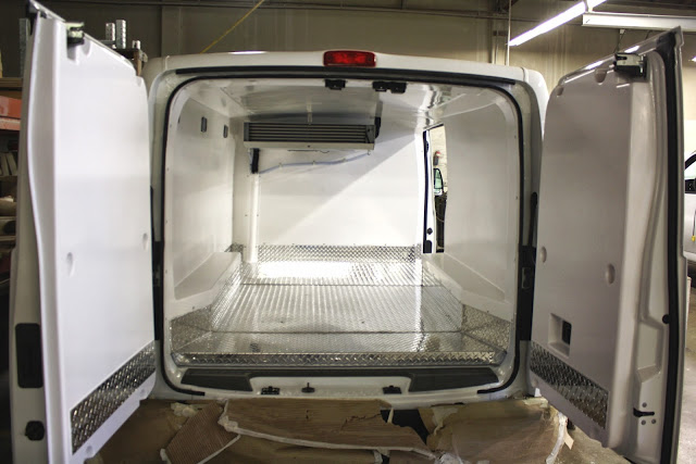 vacaville nissan fleet nissan nv refrigeration van vacaville nissan. Black Bedroom Furniture Sets. Home Design Ideas
