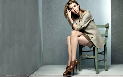 Emma Roberts Hot HD Wallpaper