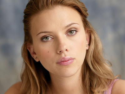 Scarlett Johansson HD beautiful eyes Wallpaper