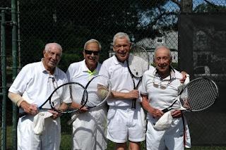 Healthy old people, prostat cancer symptoms, prevent prostat cancer, red fruits, omega 3