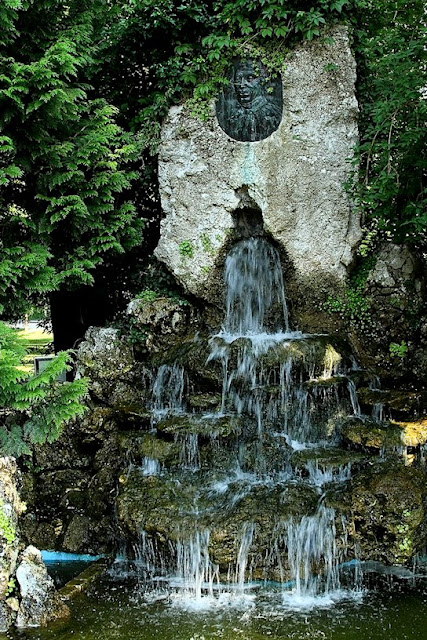 Hohenfels Volks: Kelheim Fountain