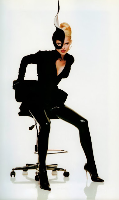 Fetish Inspirations : Eva Herzigova in Latex Tights