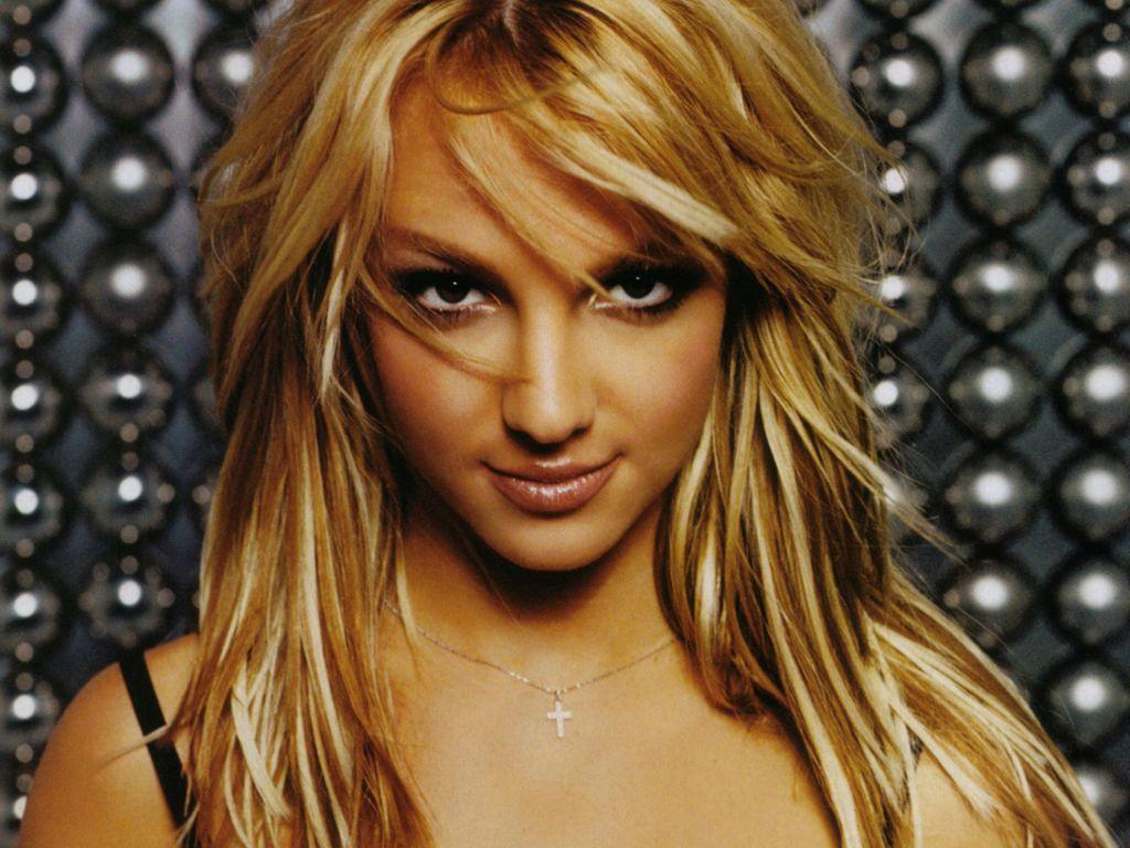 http://1.bp.blogspot.com/-iRr3Vio5z1E/TihpEP23HRI/AAAAAAAAAIc/OiXu-iEXDjo/s1600/Britney-Spears.jpg