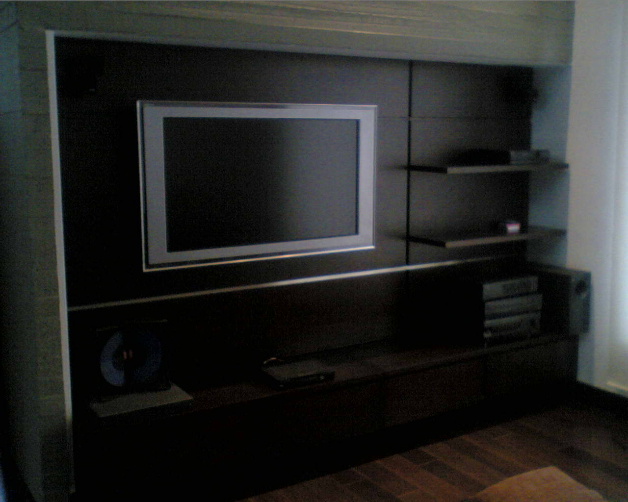 Alquiler de muebles para oficina_OFFICE SISTEM LTDA: mayo 2011