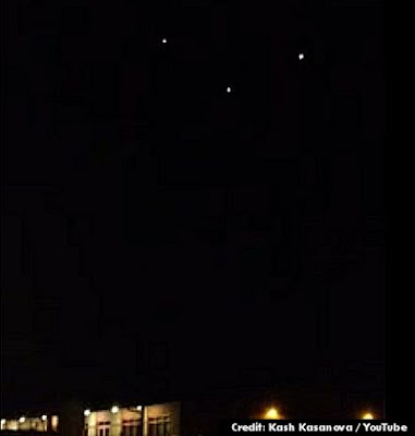 UFOs Over Laredo Texas (Edt 400 px) 12-21-12