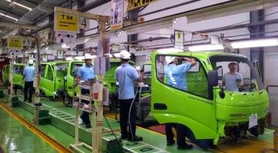 "<img src=""Image URL"" title=""PT. Hino Motor Manufacturing Indonesia"" alt=""HMMI""/"