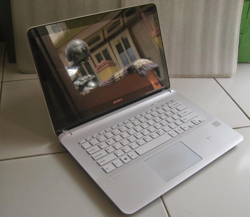 Spesifikasi Laptop SONY Vaio SVF14216SGW TouchScreen