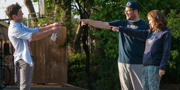 Zac Efron, Seth Rogen e Rose Byrne em VIZINHOS (Neighbors)