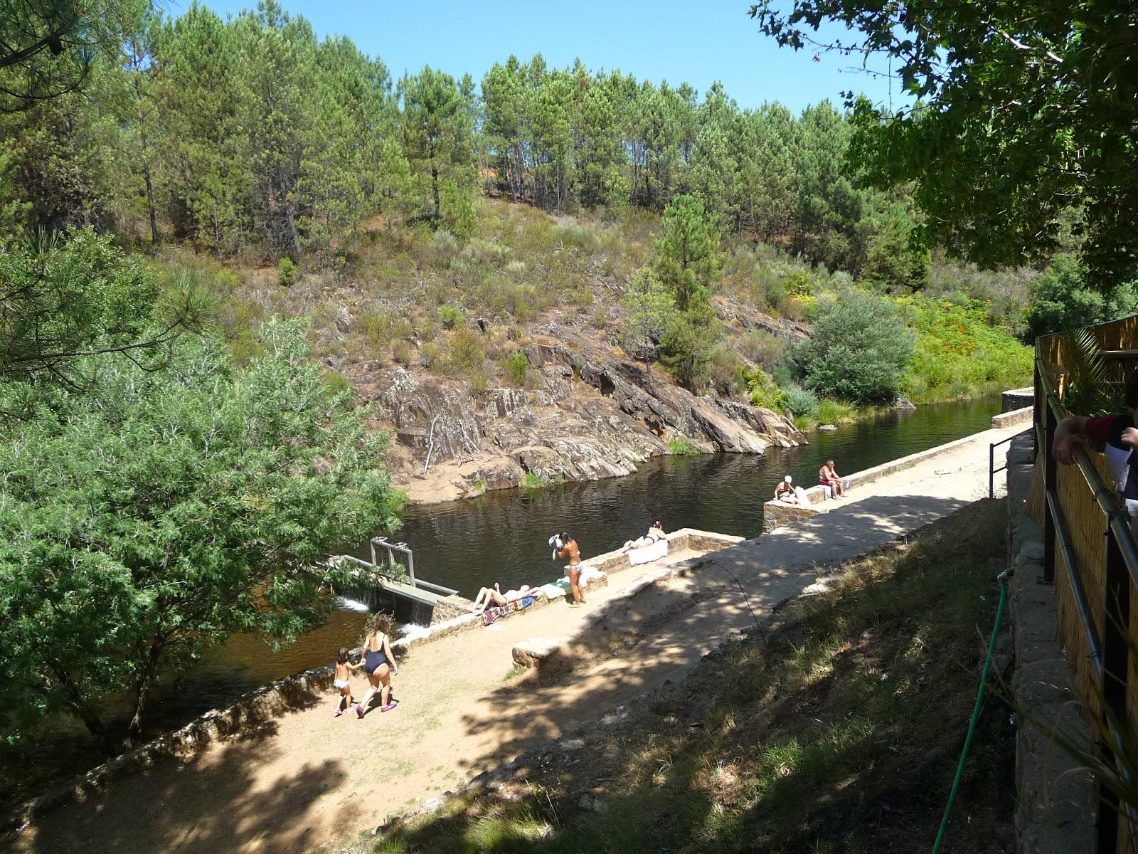 La cachuela la pizarra piscina natural villasbuenas de for Piscinas naturales cerca de caceres