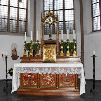 Traditional Altar