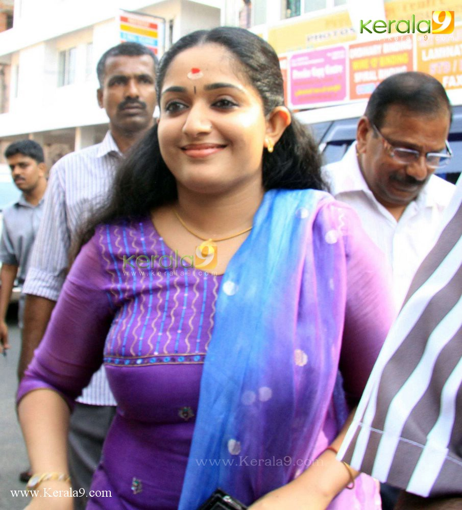 Actress Kavya Madhavan Sexy Hottest Pics And Wallpapers