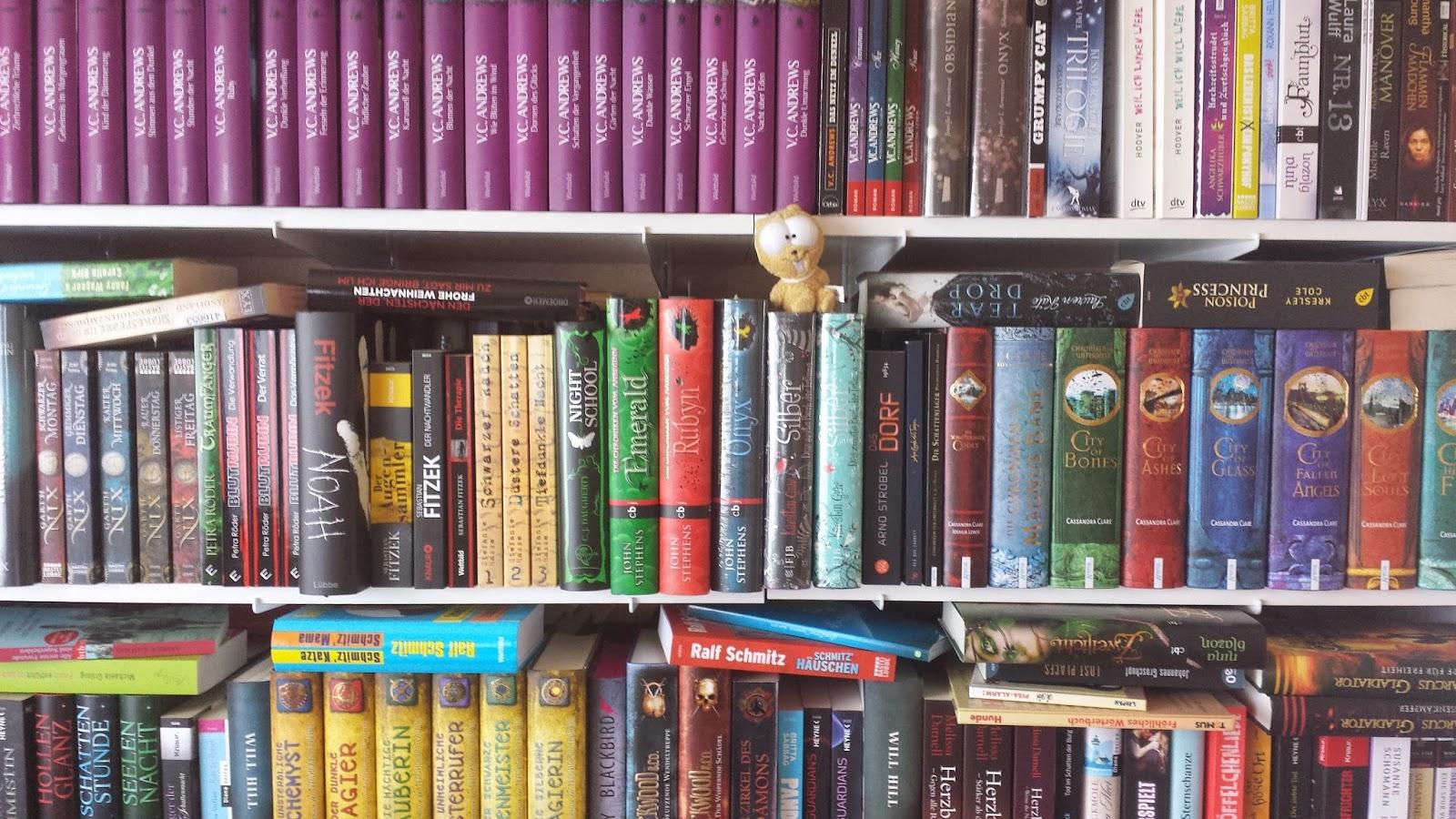 Bücherregal gezeichnet  Sasija´s TARDIS: .: Einmal durchs Regal #2 ~ Zusatzaufgabe Mai ...
