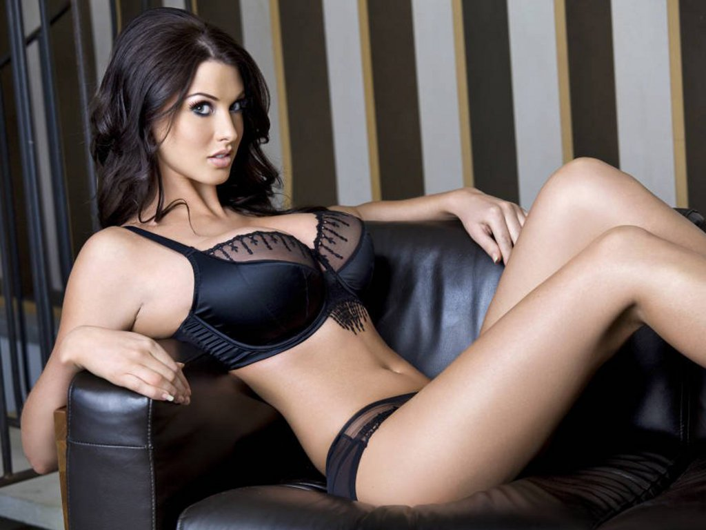 Alice Goodwin Biography and Photos - Girls Idols Wallpapers and ...