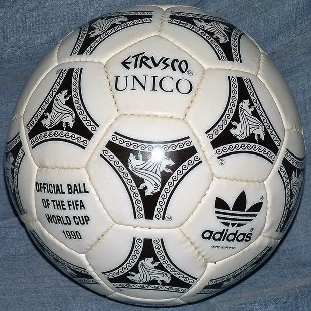 Gambar Bola World Cup 1990