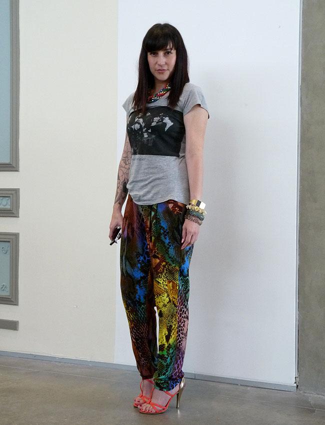 tattoos-girls-bangles-tshirt-animal-print-heels
