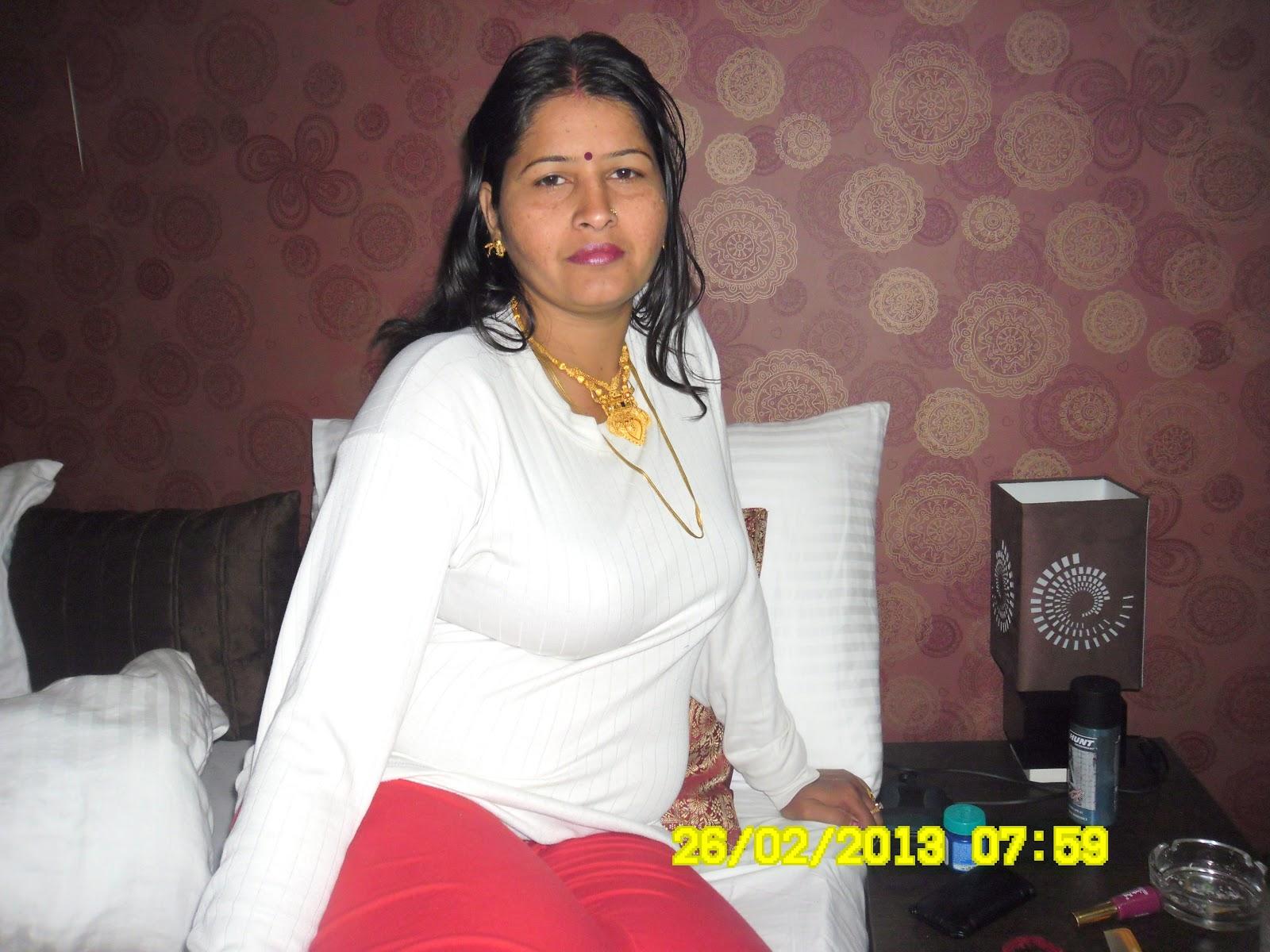 desi young Indian girls nude non nude photos. Babli Sharma Sexy Babe