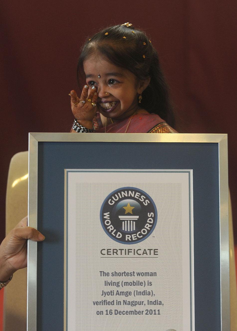 the story of worlds shortest woman jyoti amge minnal malayali