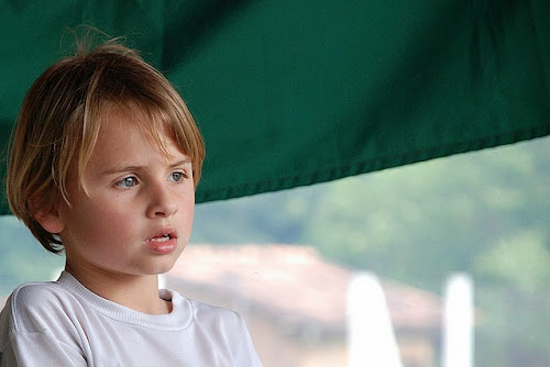 Como garotos tímidos demonstram sentimento