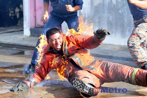 Seorang Anggota Bomba yang menjadi mangsa kebakaran