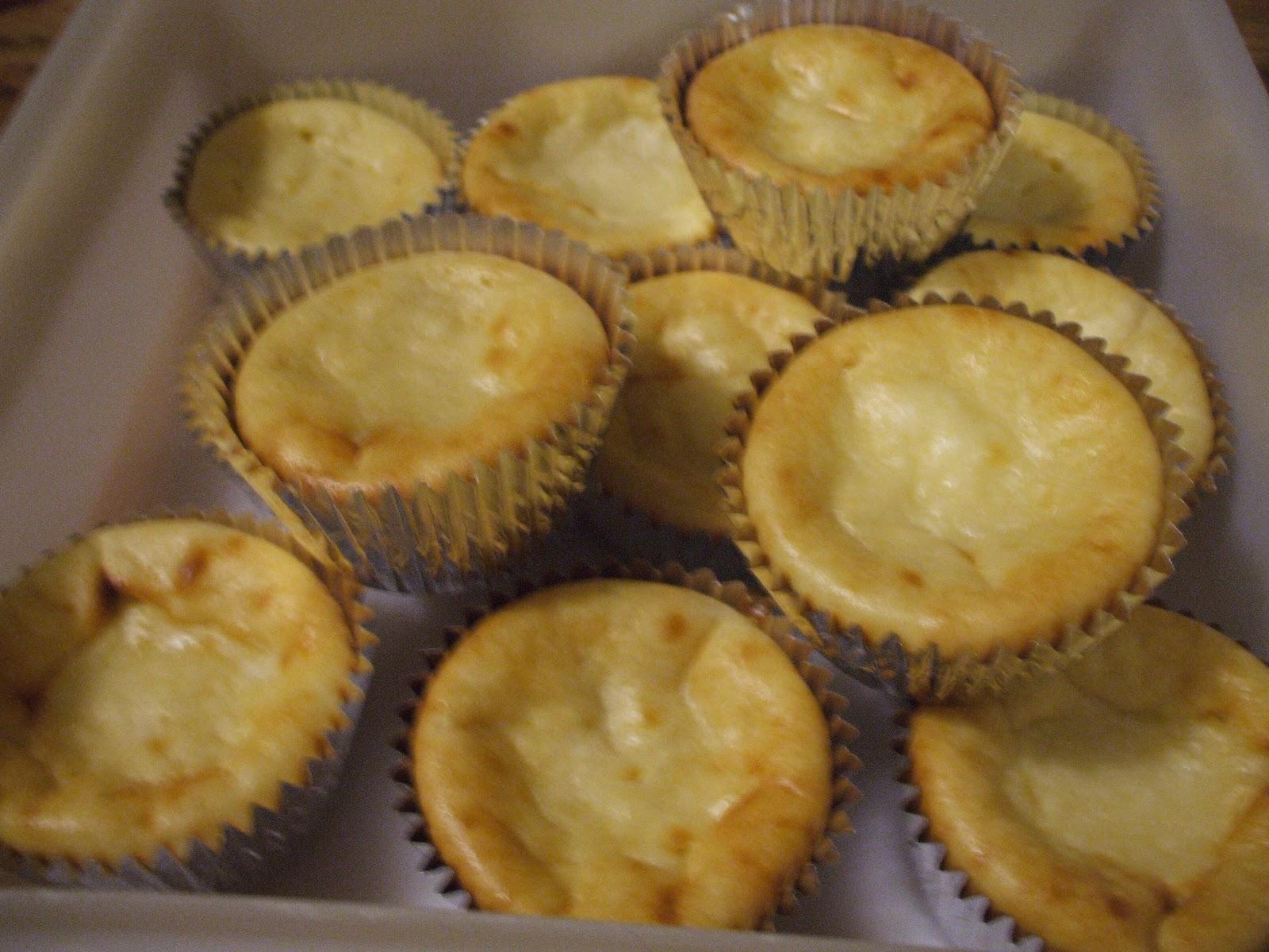 Gray Cardigan: Mini Cheesecakes