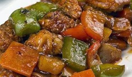 Cerdo agridulce con verduras