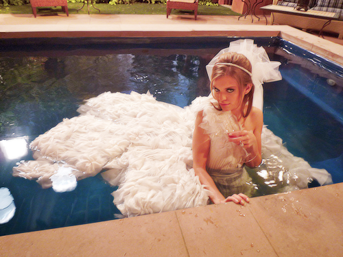 90210 season six, naomi wedding dress