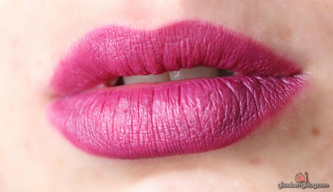 ofra malibu long lasting liquid lipstick lipcolor lipswatch swatch review סקירה המלצה שפתון עפרה עמיד נוזלי מאט סגול ניו אורלינס מאליבו גלוסברי בלוג איפור וטיפוח glossberry beauty blog
