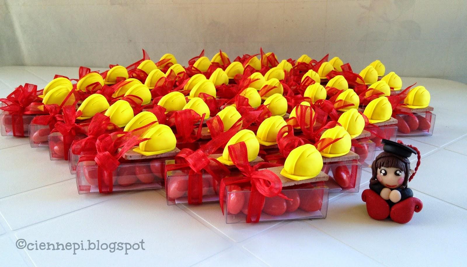 caschi gialli per nuovi ingegneri