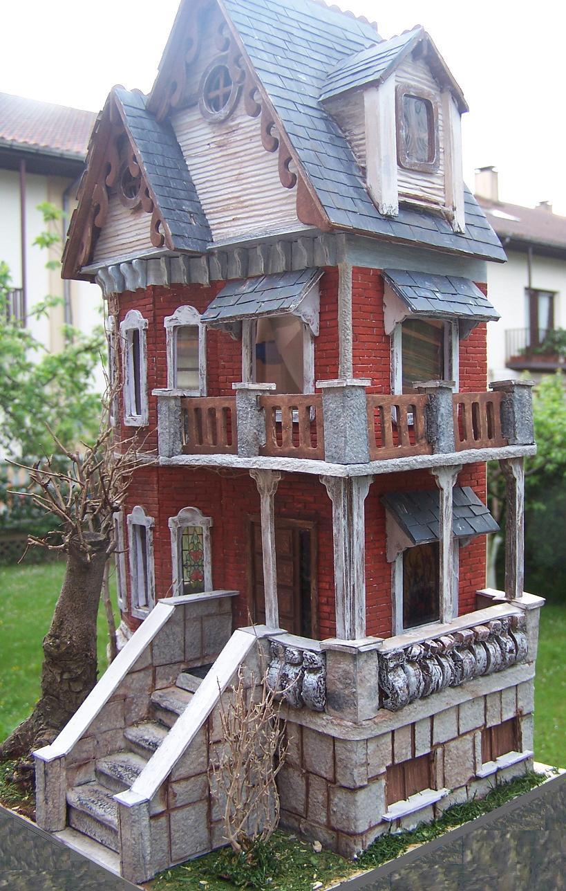 Miniaturas y casas de mu ecas fachada casa g tica for Casa revival gotica
